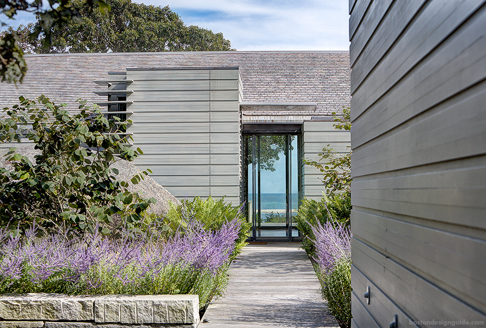 waterfront home landscaping