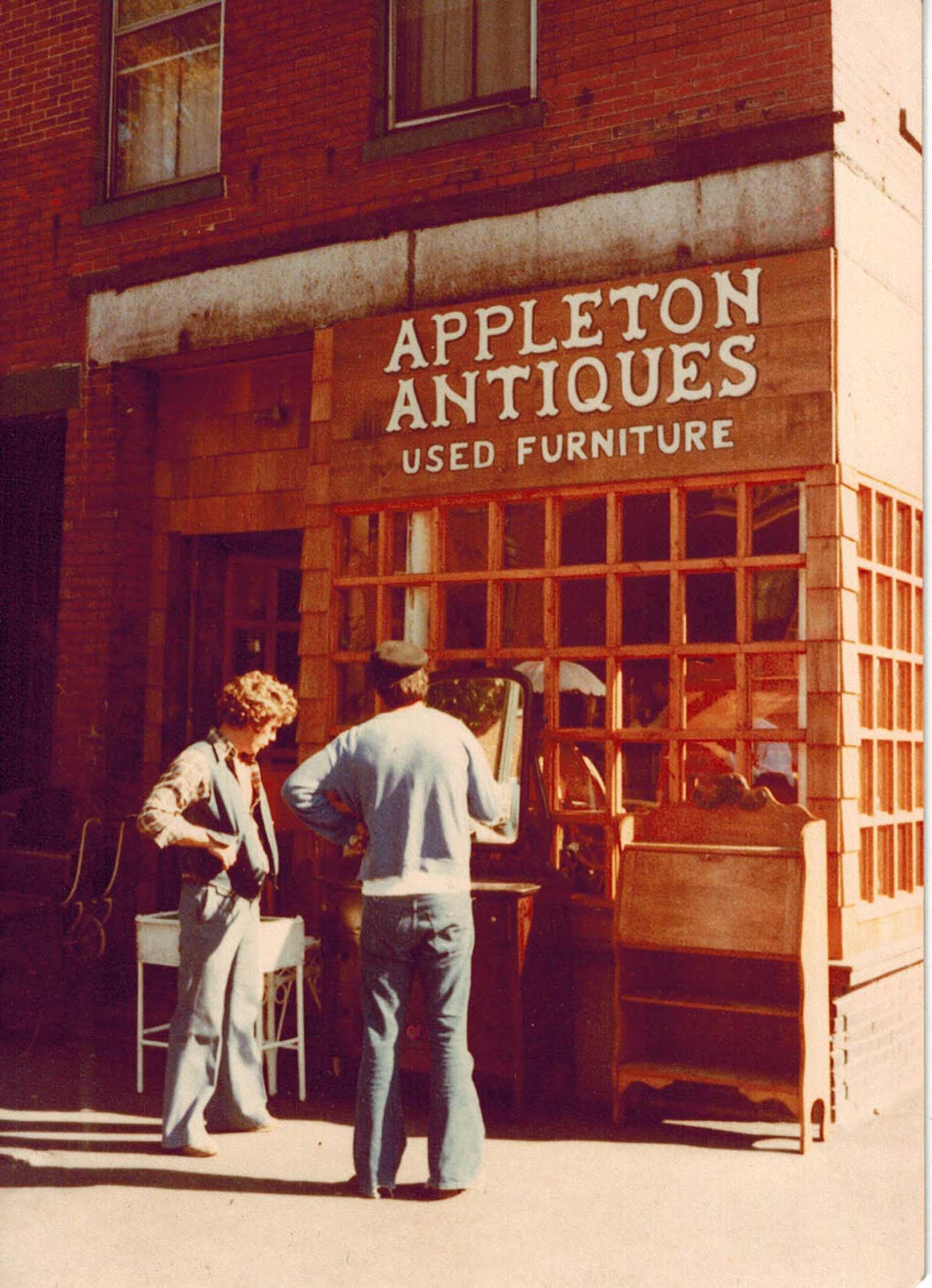 Storefront of Appleton Antiques
