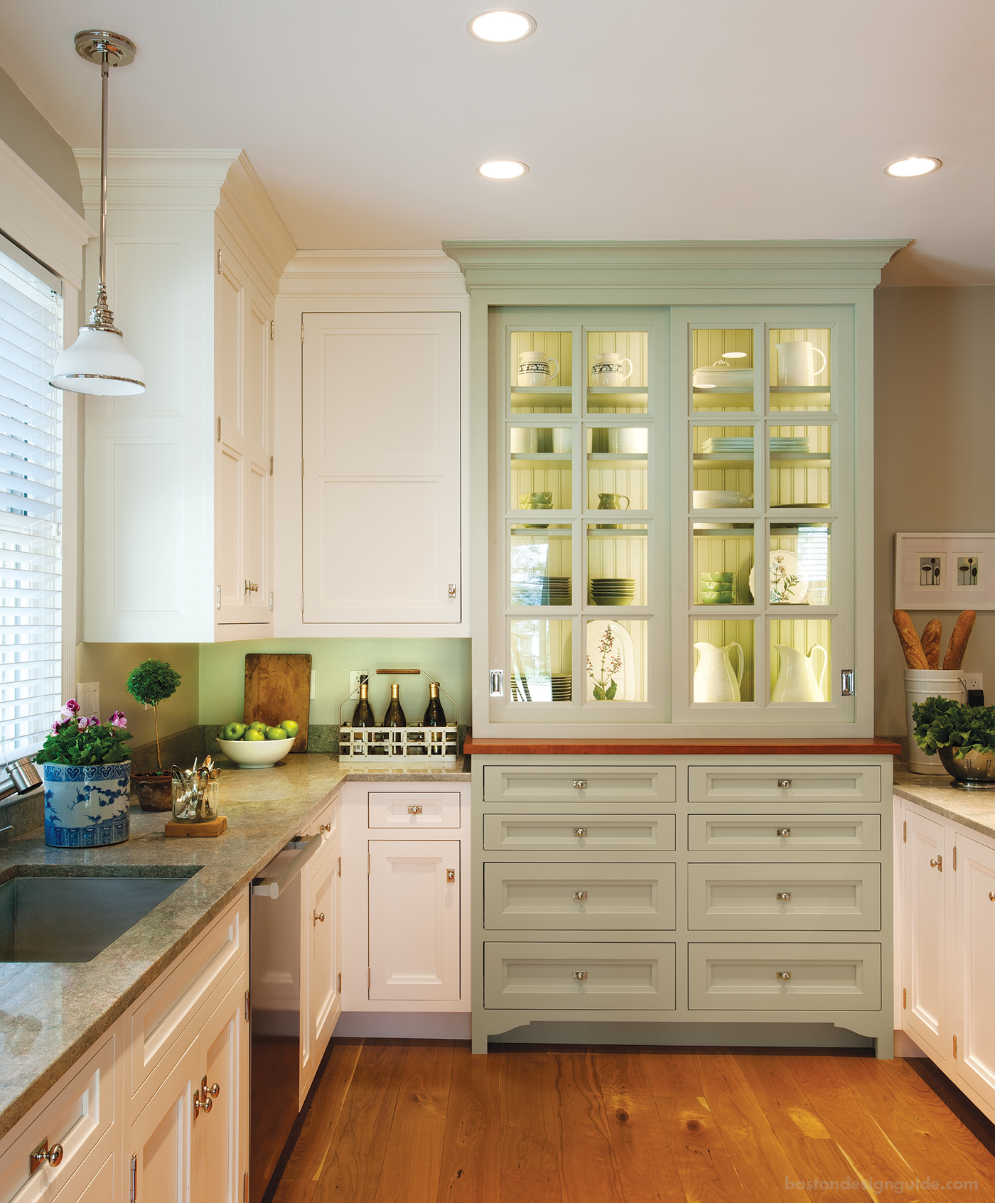 Beautiful built ins custom cabinetry looks we love for Webs custom kitchen
