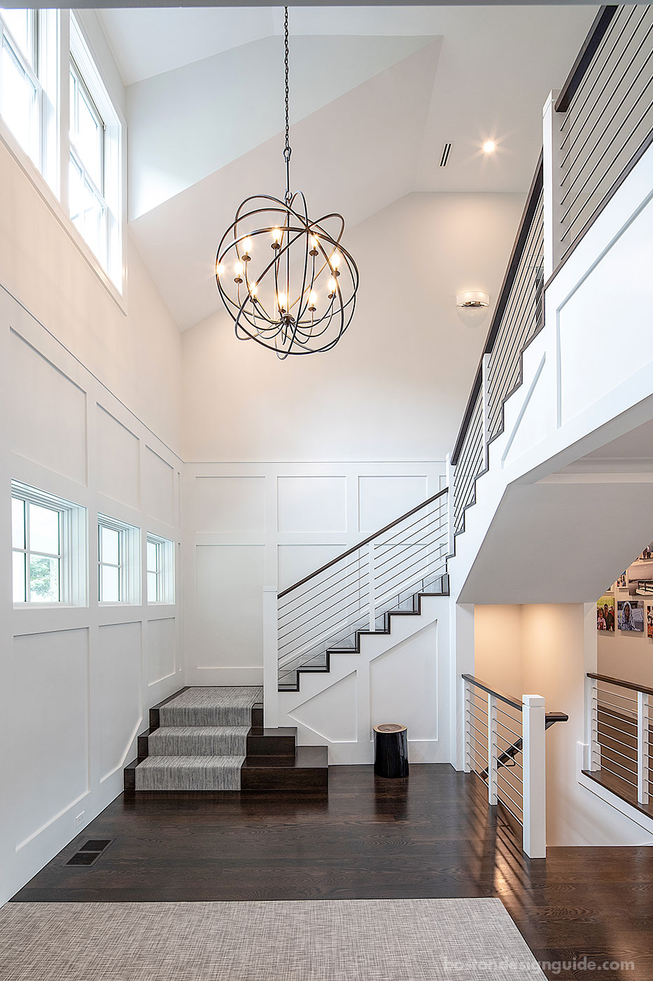 Entry hall by high-end builders Concept Building, Inc.
