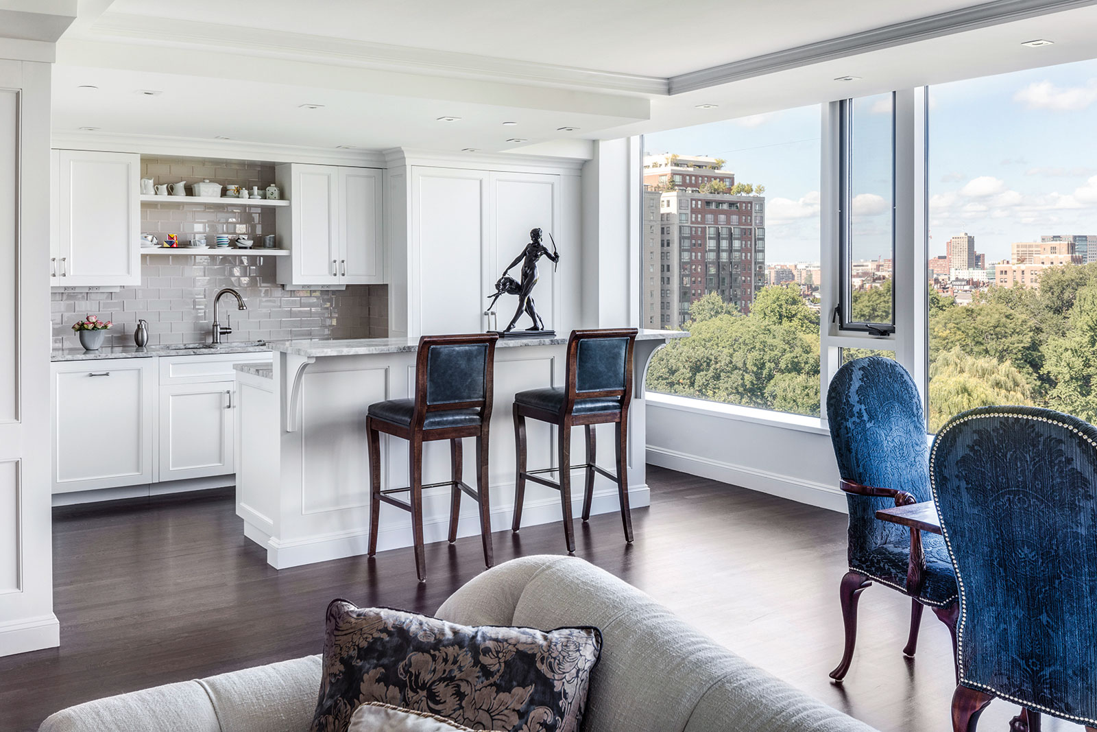 Back Bay pied-a-terre by F.H. Perry Builder