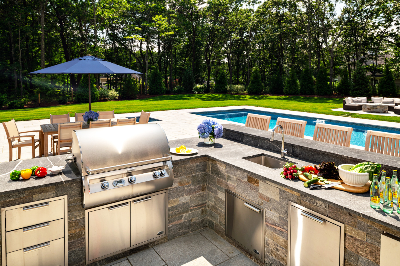 outdoor kitchen and pool, Mcphee Associates