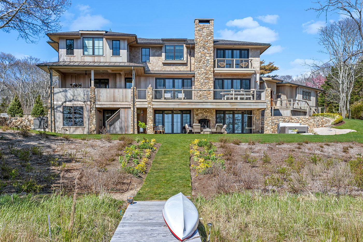 Year-round oceanfront home designed by Gakidis + Stewart Design Group