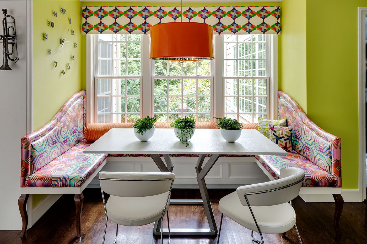 Colorful breakfast nook by high-end Boston interior designer Heather Vaughan Interior Design