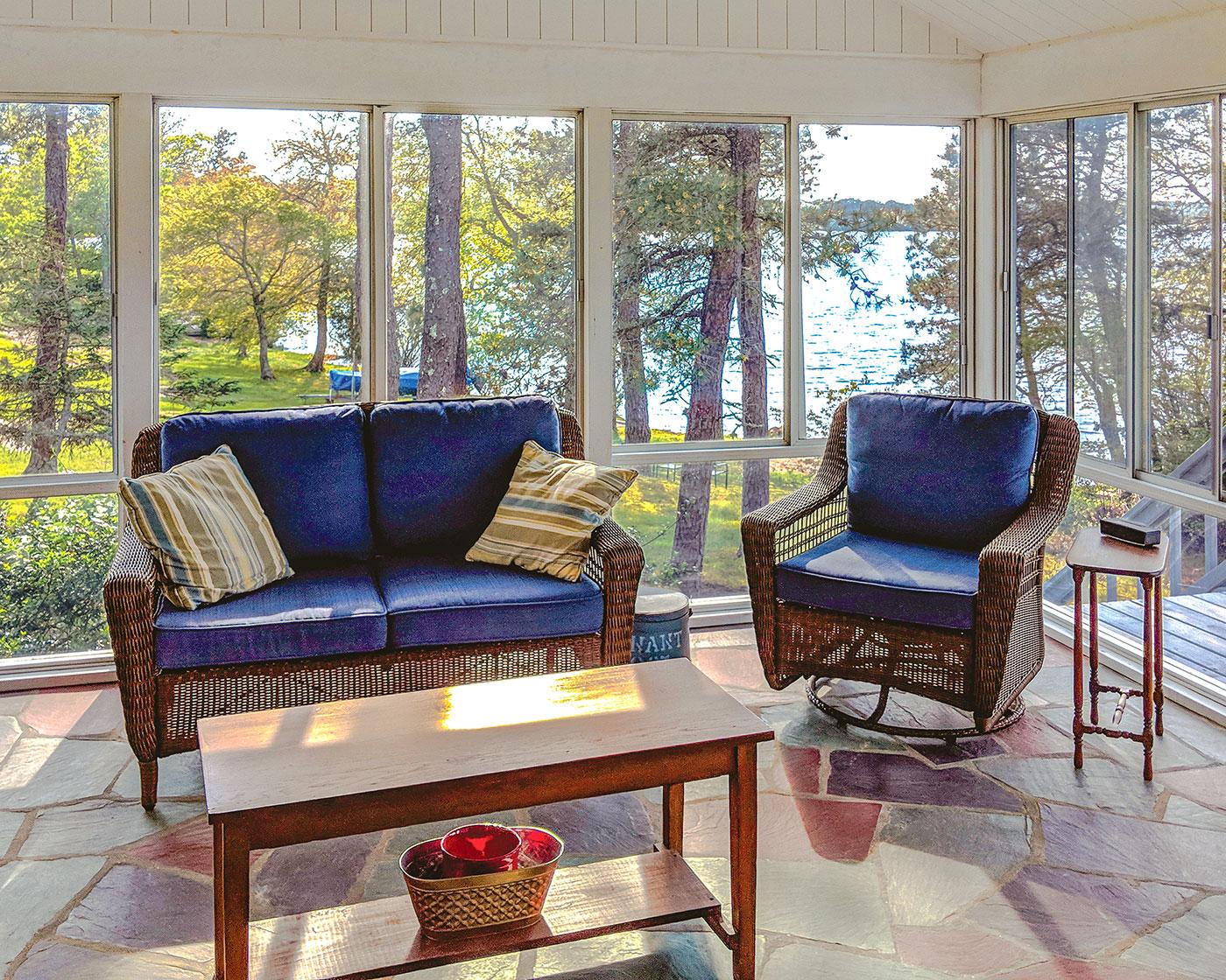 Screen porch addition by Longfellow Design Build