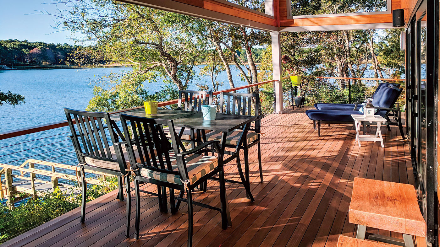 Deck by Longfellow Design Build