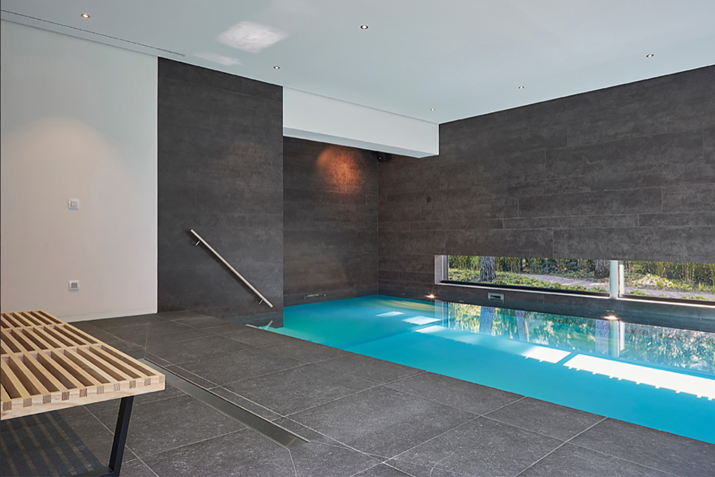 Pool design with Neolith