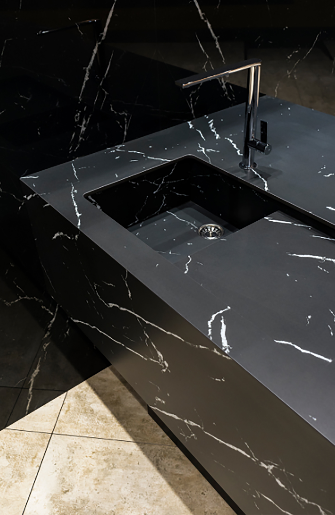 Neolith for a bathroom design