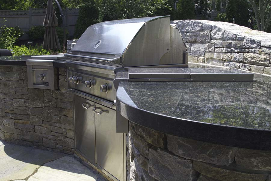 A Guide to Outdoor Kitchens