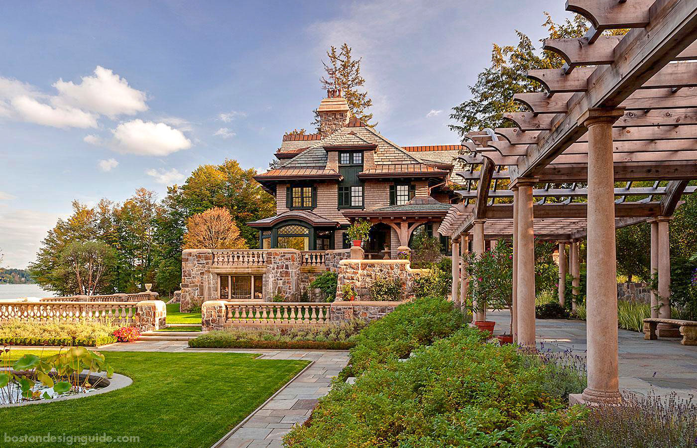 New York estate with a perfect pergola designed by Meyer & Meyer Architecture and Interiors