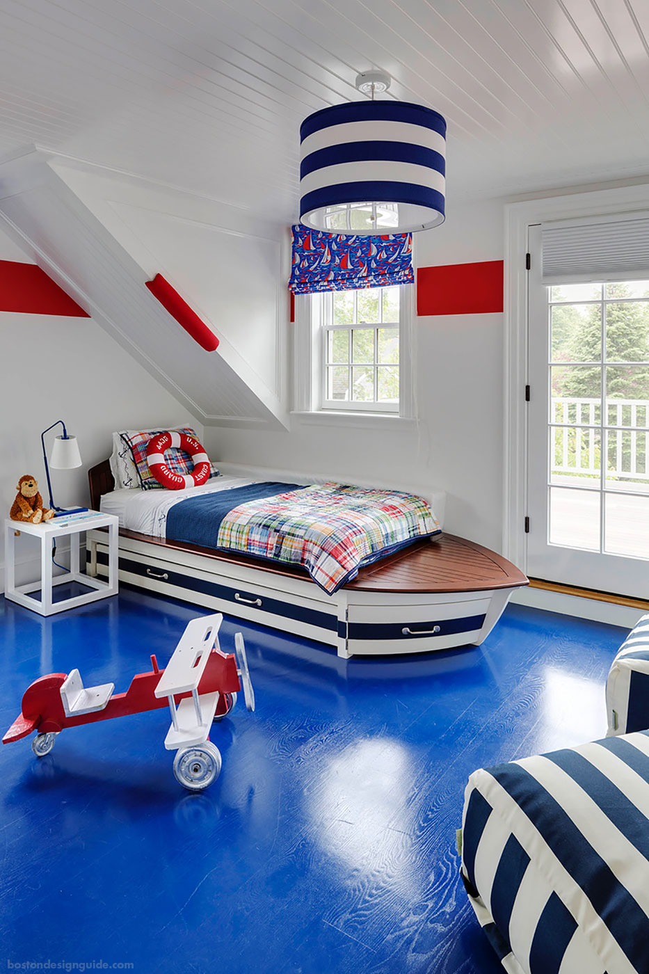 Nautical red, white and blue children's room by Patrick Ahearn Architect