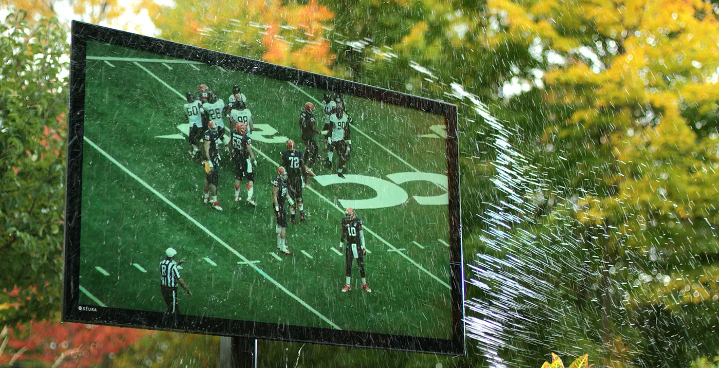 Weatherproof Storm Ultra Bright TV by Séura