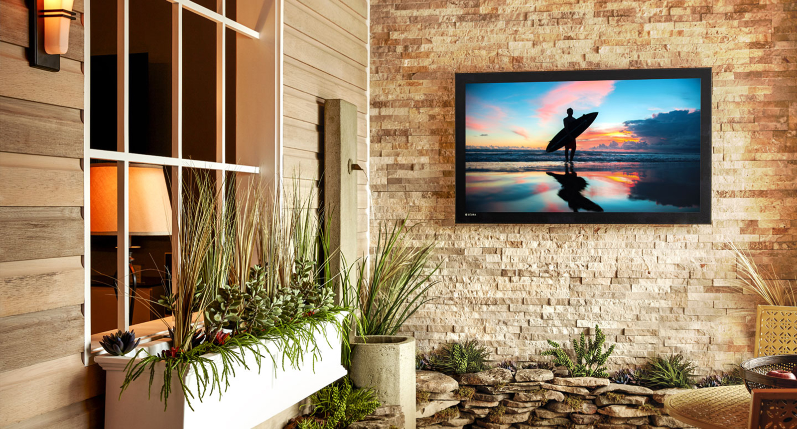 Outdoor tvs the ultimate buy for your yard boston for Pool design tv show