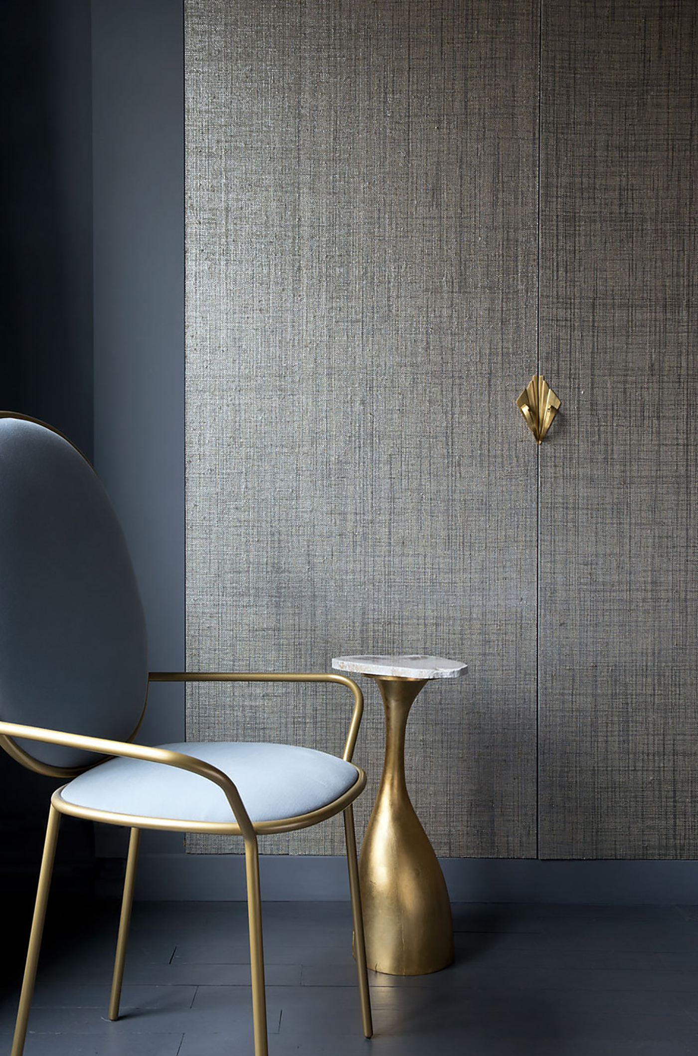 High-end metallic wallpaper trends