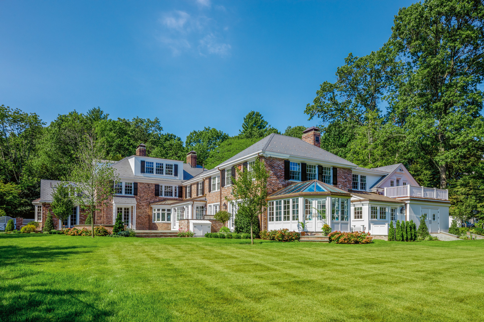 A large-scale custom renovation of a Georgian colonial in the Boston area