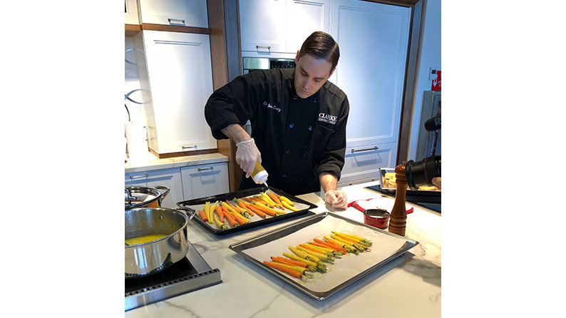Recipe for Roasted Carrots with Apple Cider Glaze