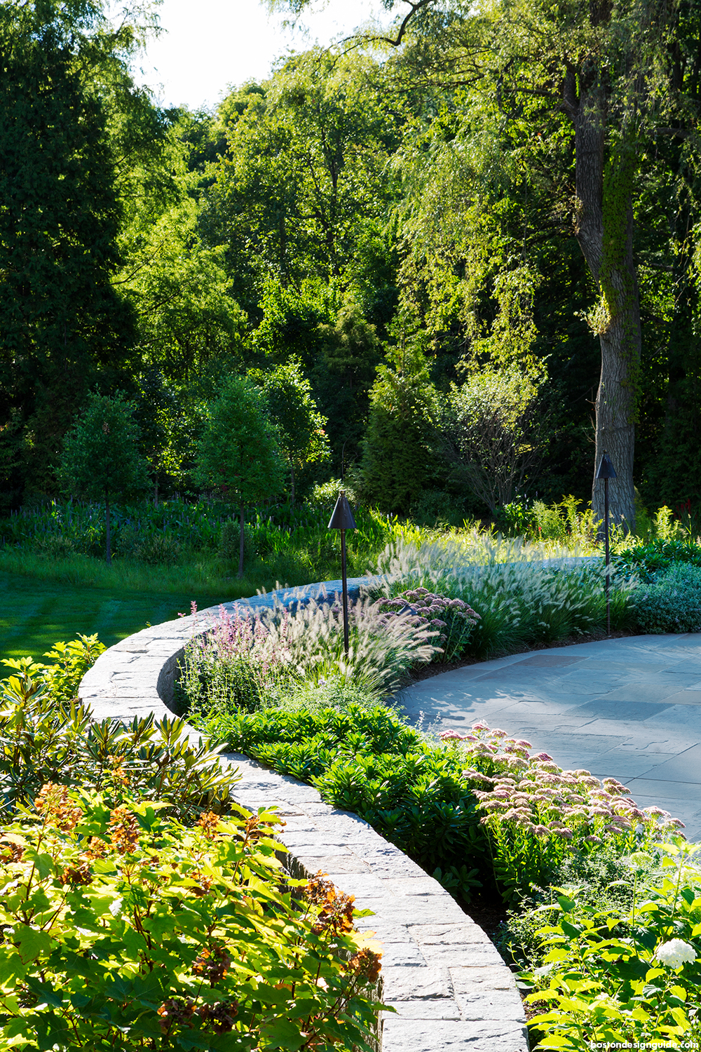 landscape architecture and maintenance in luxury homes