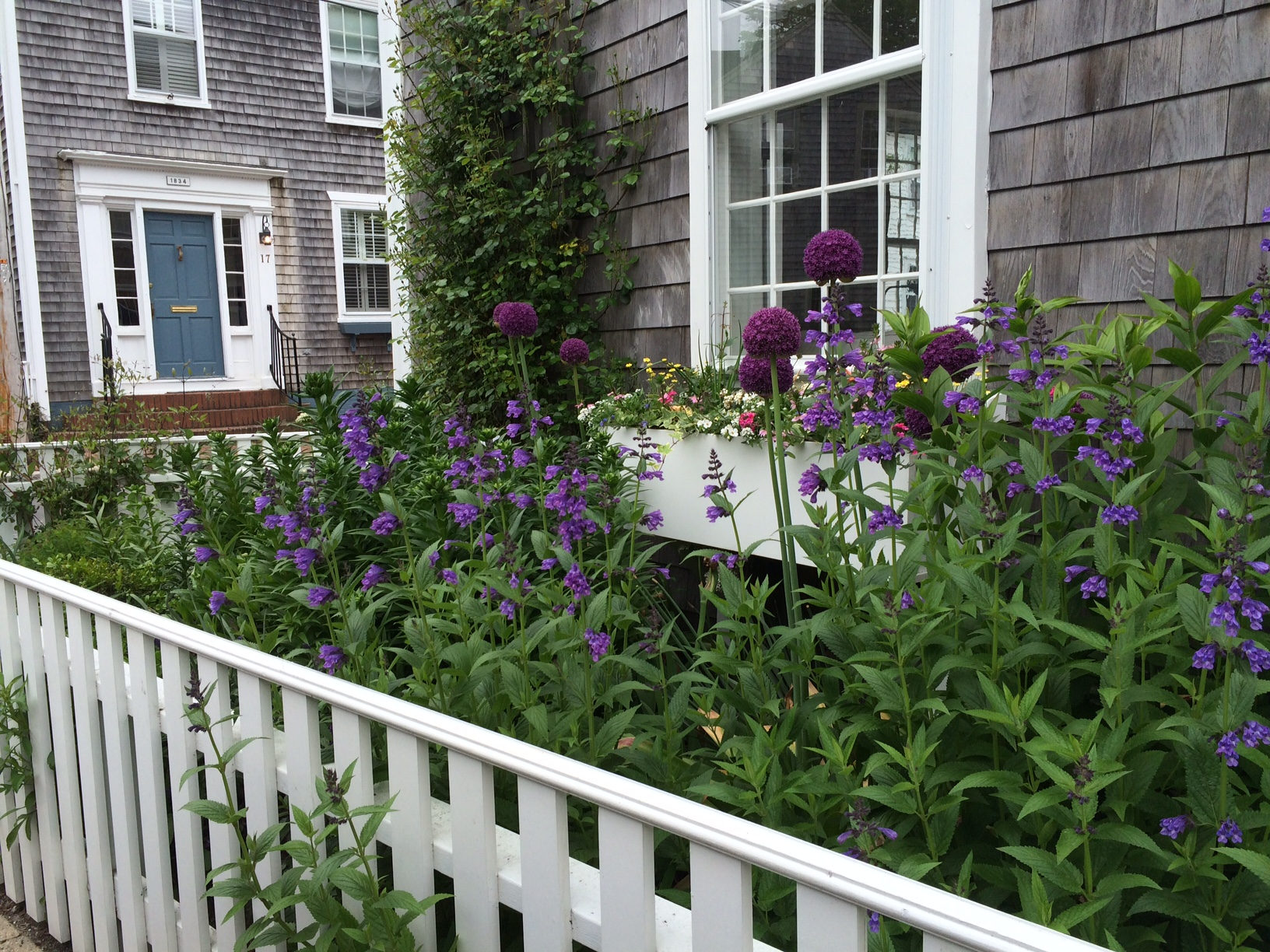 historic walking garden tours in Nantucket