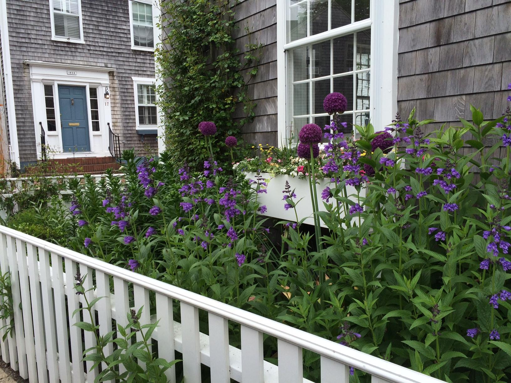 historic walking garden tours in Nantucket