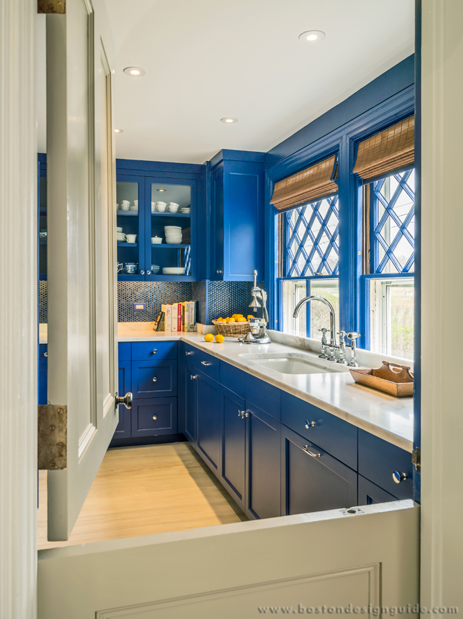 Classic blue kitchen by Paul Weber Architect