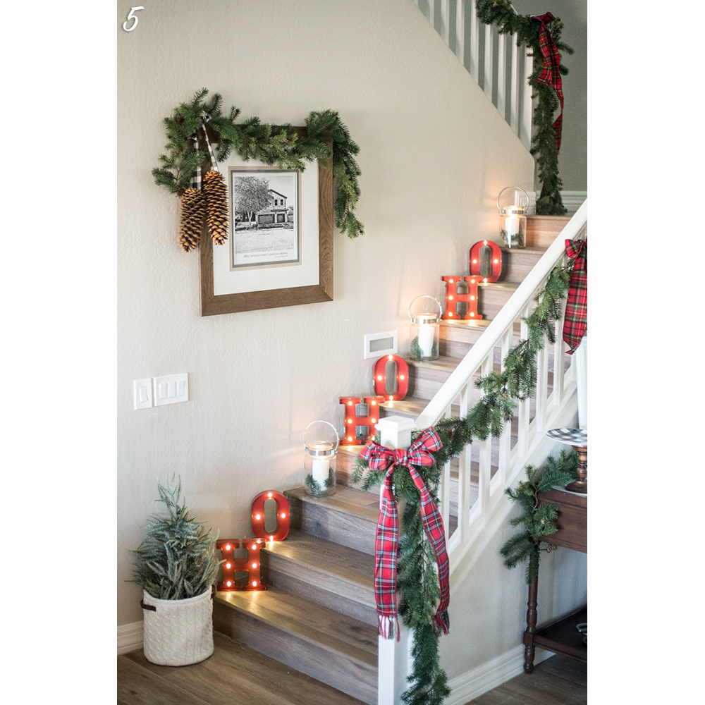 Holiday Staircase Decor