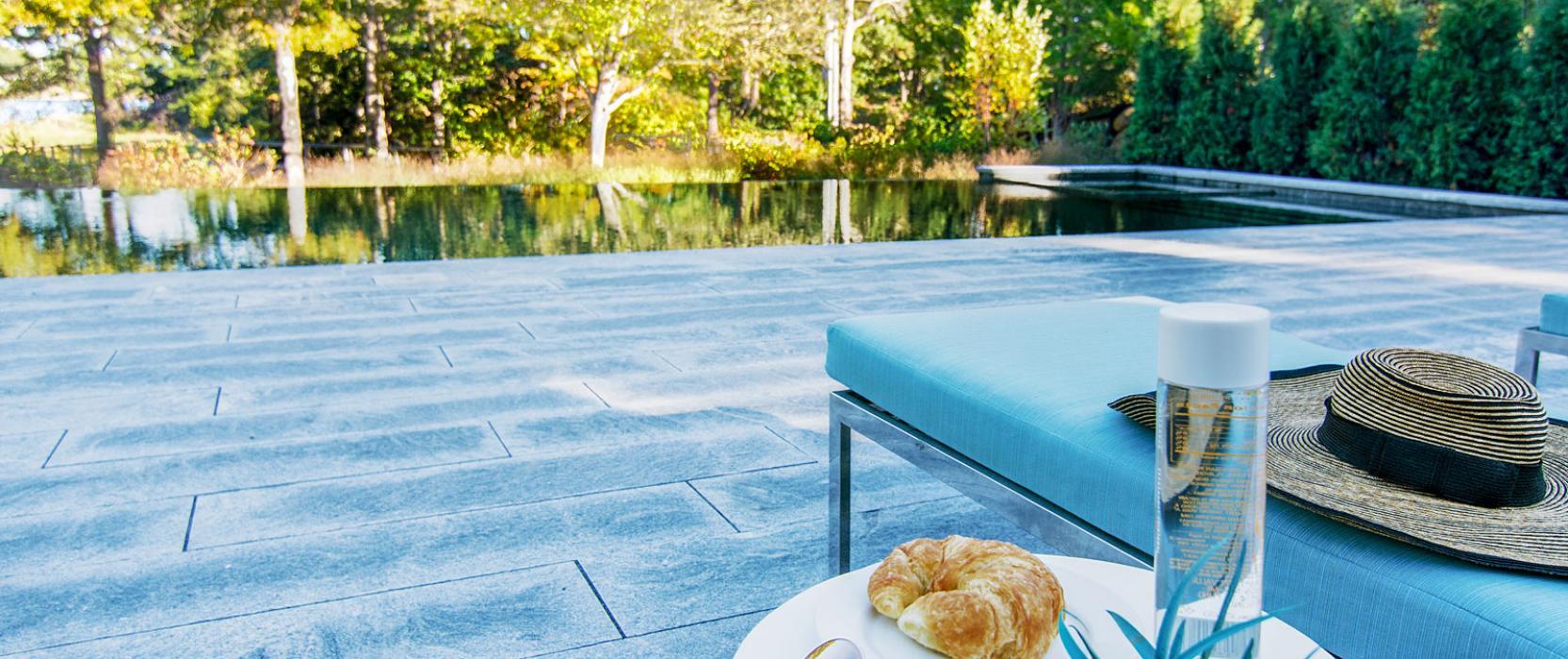 Sparkling pool design by Bernice Wahler Landscapes