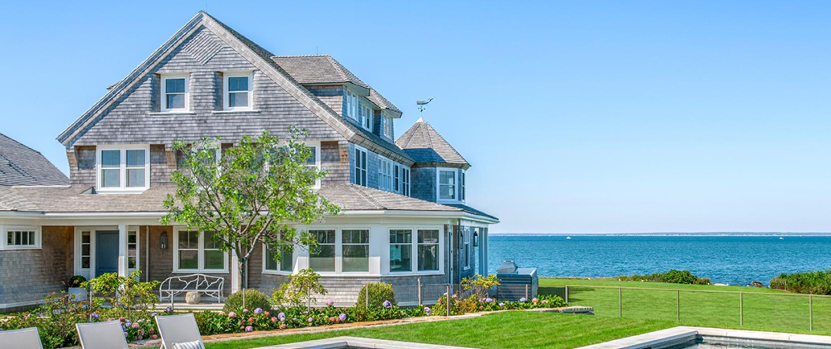 Luxury Oceanfront Homes in New England
