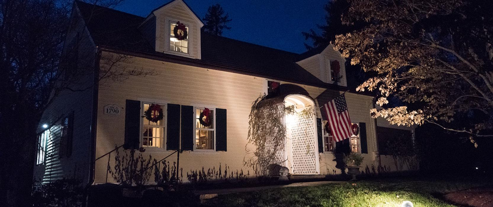 Exterior holiday decorations