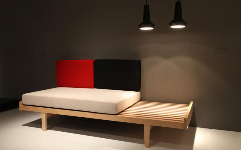 ligne roset boston design guide. Black Bedroom Furniture Sets. Home Design Ideas