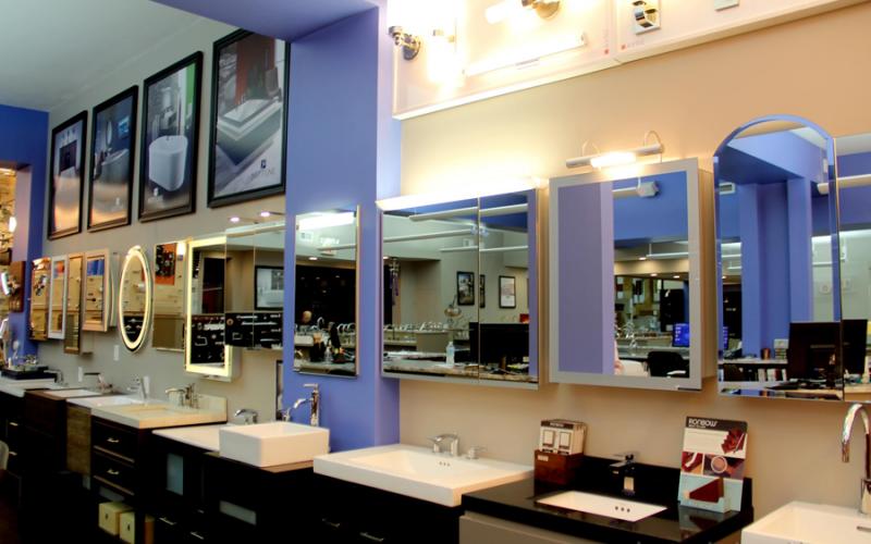 Monique s bath showroom boston design guide for Bathroom showrooms boston area