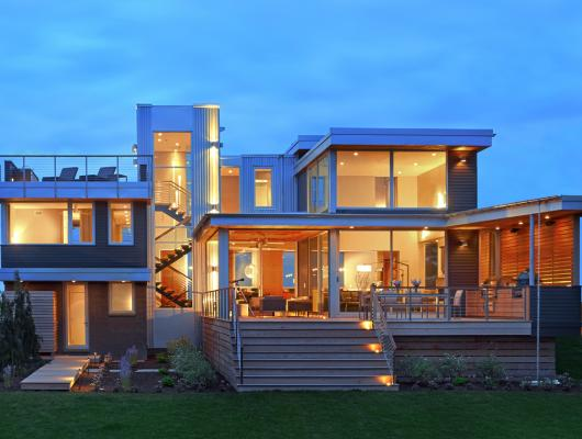 Modern lake house designed by Foley Fiore Architecture