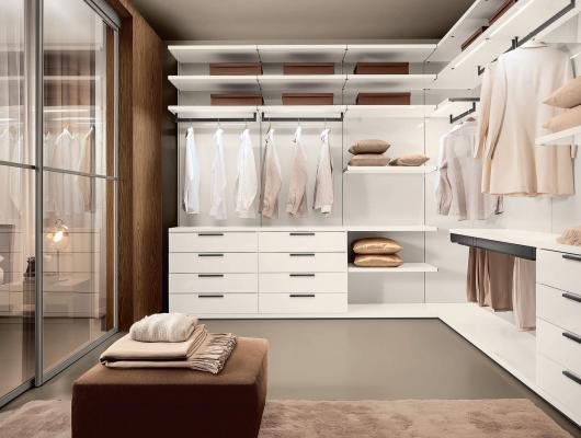 Closet designed by Interiology Design Co. and Composit
