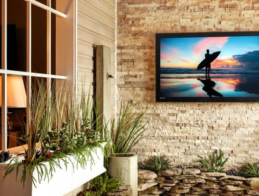 High-end outdoor TV