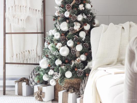 barn house christmas tree decorations