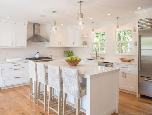 Coastal Kitchen furnished by Nantucket Looms