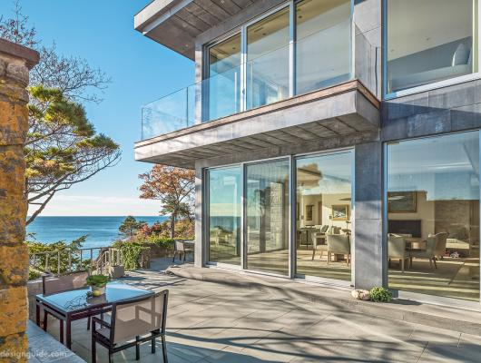 Contemporary coastal home in Manchester-by-the-Sea