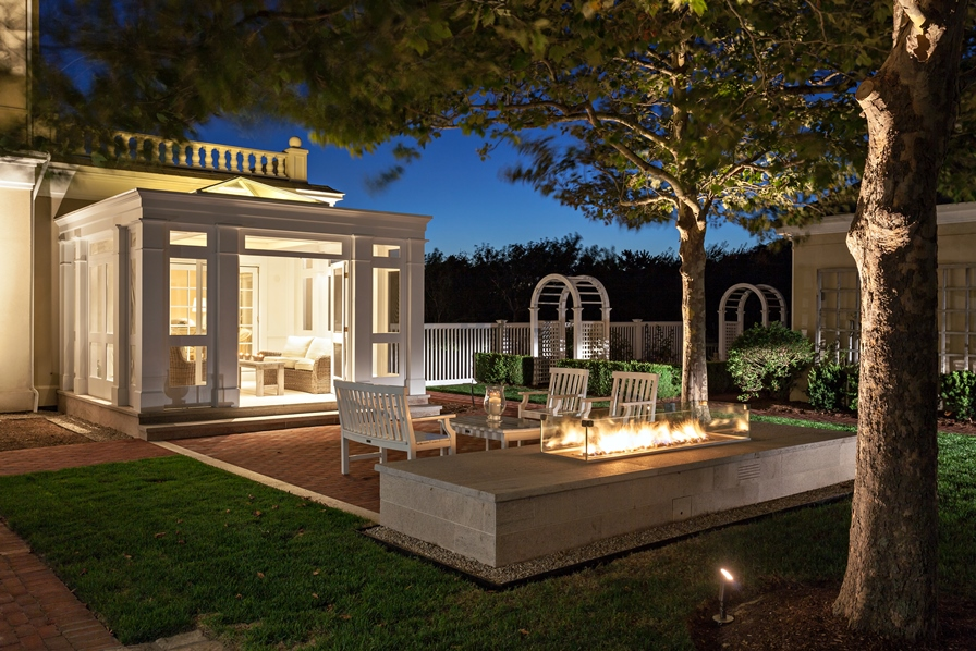 Hyannisport Fire Pit Terrace by Bernice Wahler Landscapes, Patrick Ahearn Architect and EJ Jaxtimer