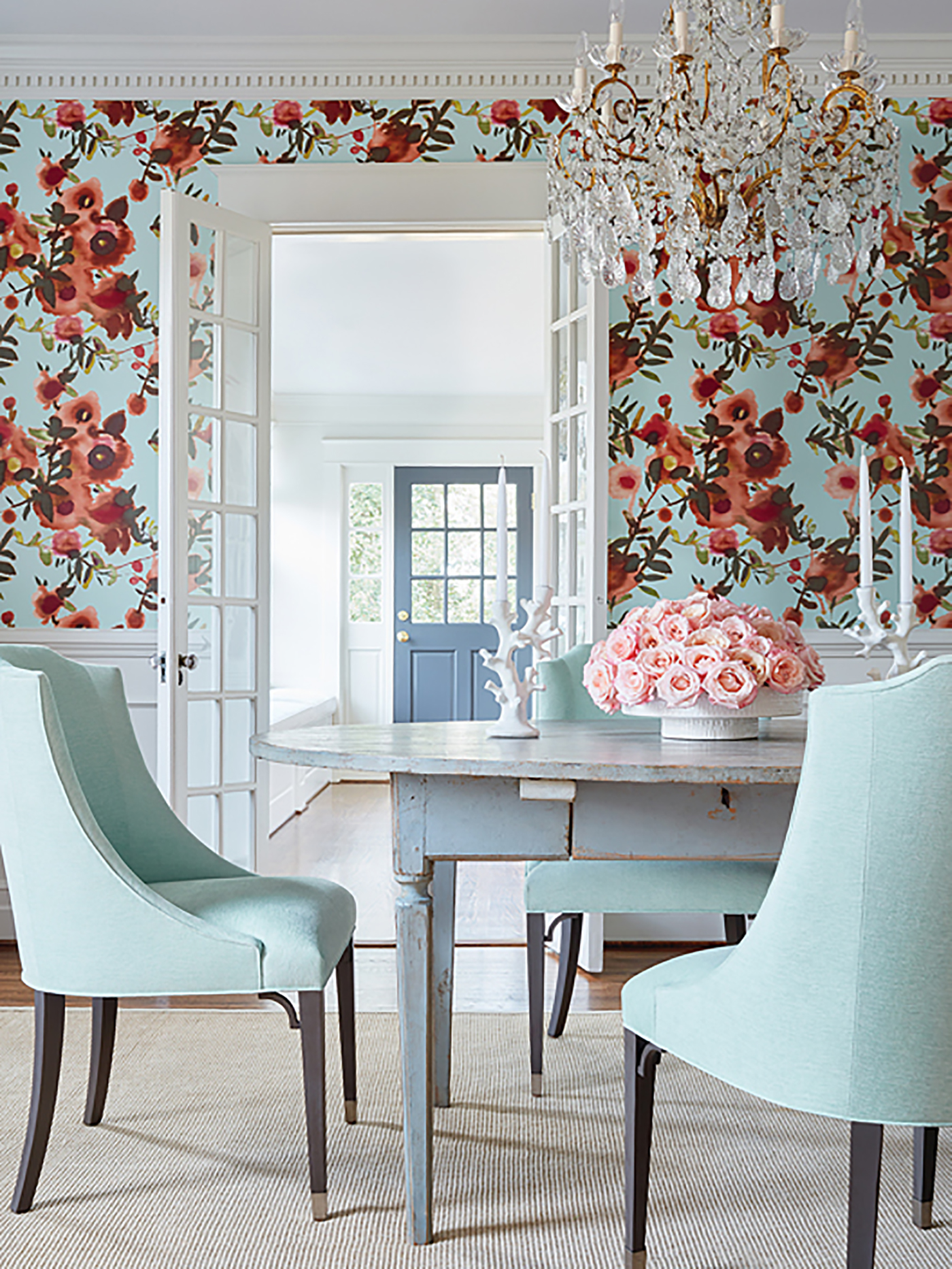 Wallpaper trends and tips from high-end interior designers