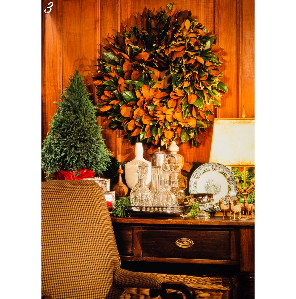 Holiday Decor Wreath Design